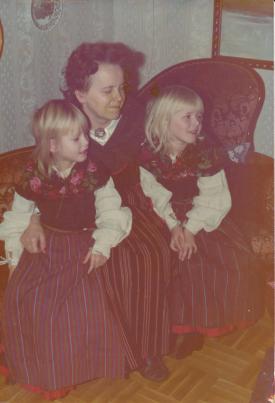 Kusin-Susanne-Farmor-Eva-och-jag