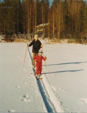mary-och-malin-på-skidor