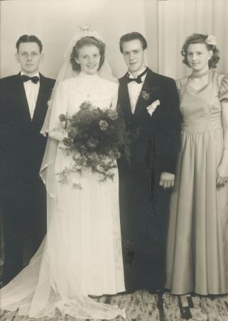 mary-och-erling-bröllopsfoto-yngve-marksalk-frideborg-tärna